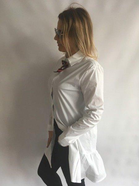 Koszula z broszką