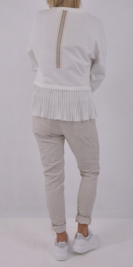 Bluza biała z napisem i tiulowymi plisami