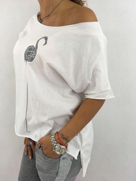 Bluzka biała z flamingiem.