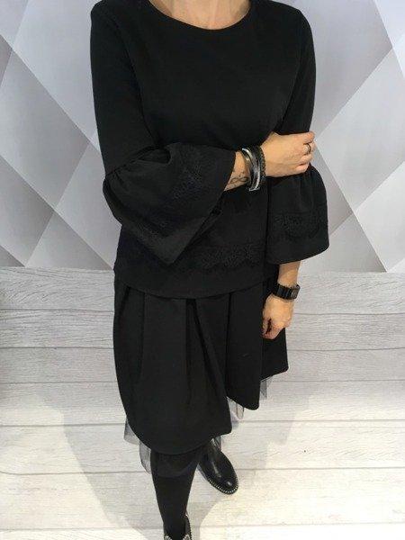 Bluzka czarna z koronką