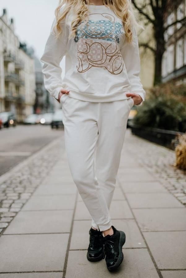 Kobiece spodnie z pęknieciami przy kostkach S/M