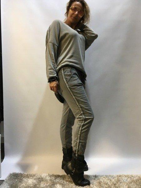 Spodnie szare srebrny lampas