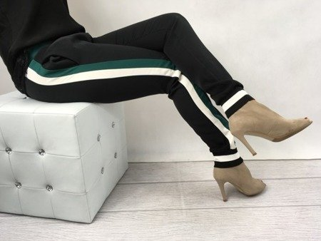 Spodnie z zielono białym lampasem