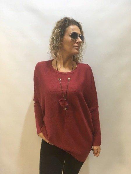 Sweter bordowy z pomponem