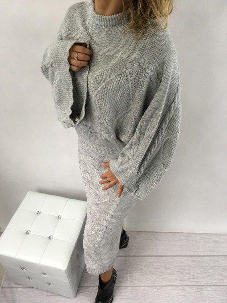 Sweter i spódnica komplet