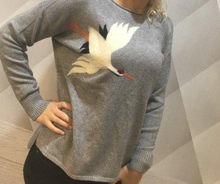 Sweter szary z bocianem
