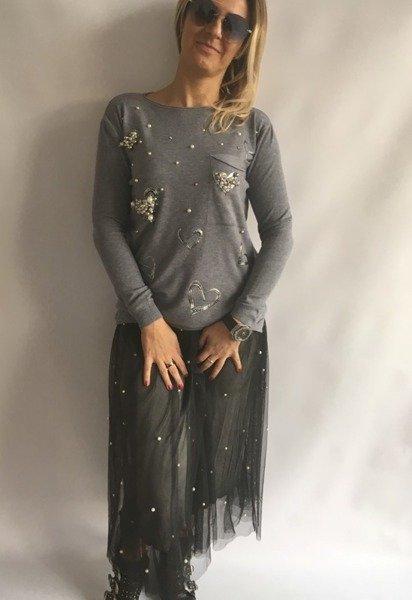 Sweter w serca z perłami