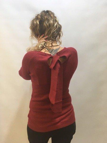 Sweterek bordowy z wiązaniem na plecach